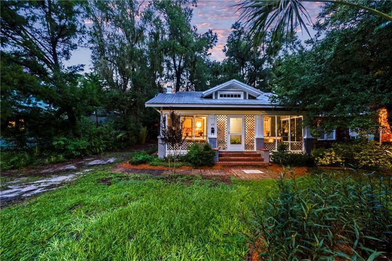 219 W UNIVERSITY AVENUE, Deland, FL 32720 - MLS#: V4915169