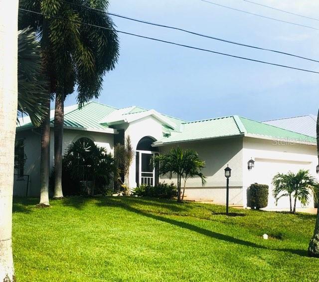 Photo of 92 ISLAND CIRCLE, SARASOTA, FL 34242 (MLS # A4465171)