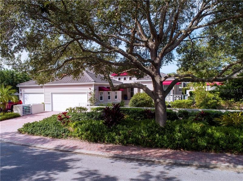 Photo of 3438 WINDING OAKS DRIVE #43, LONGBOAT KEY, FL 34228 (MLS # A4481174)