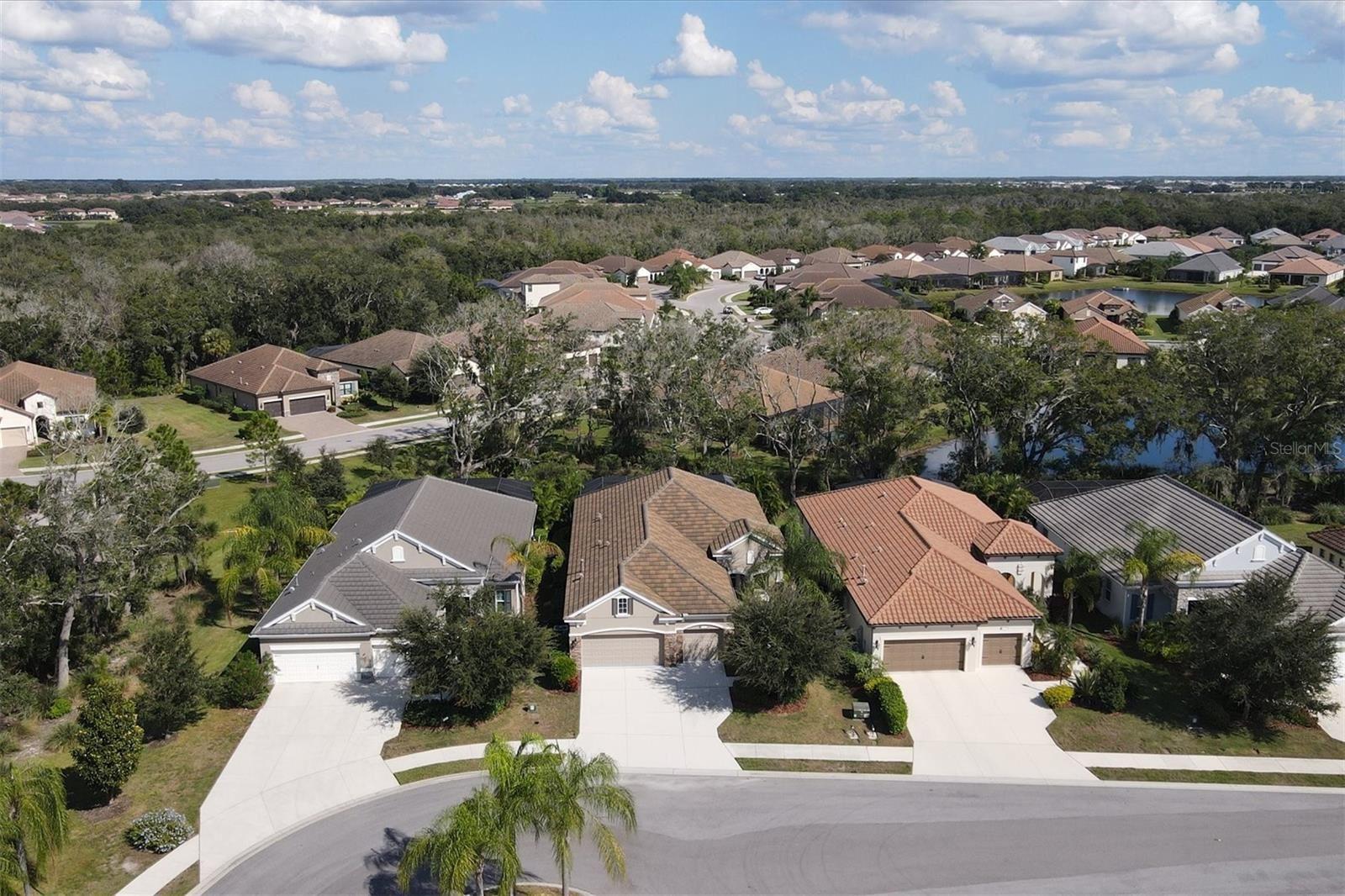 Photo of 4015 CELESTIAL BLUE COURT, BRADENTON, FL 34211 (MLS # A4515184)