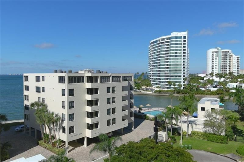 Photo of 101 SUNSET DRIVE #103, SARASOTA, FL 34236 (MLS # A4486187)
