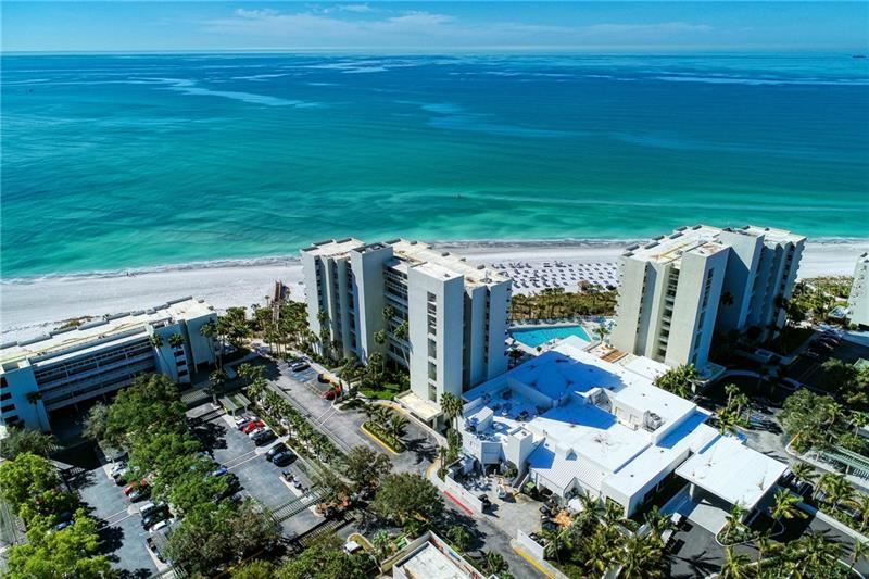 Photo of 210 SANDS POINT ROAD #2702, LONGBOAT KEY, FL 34228 (MLS # A4489191)