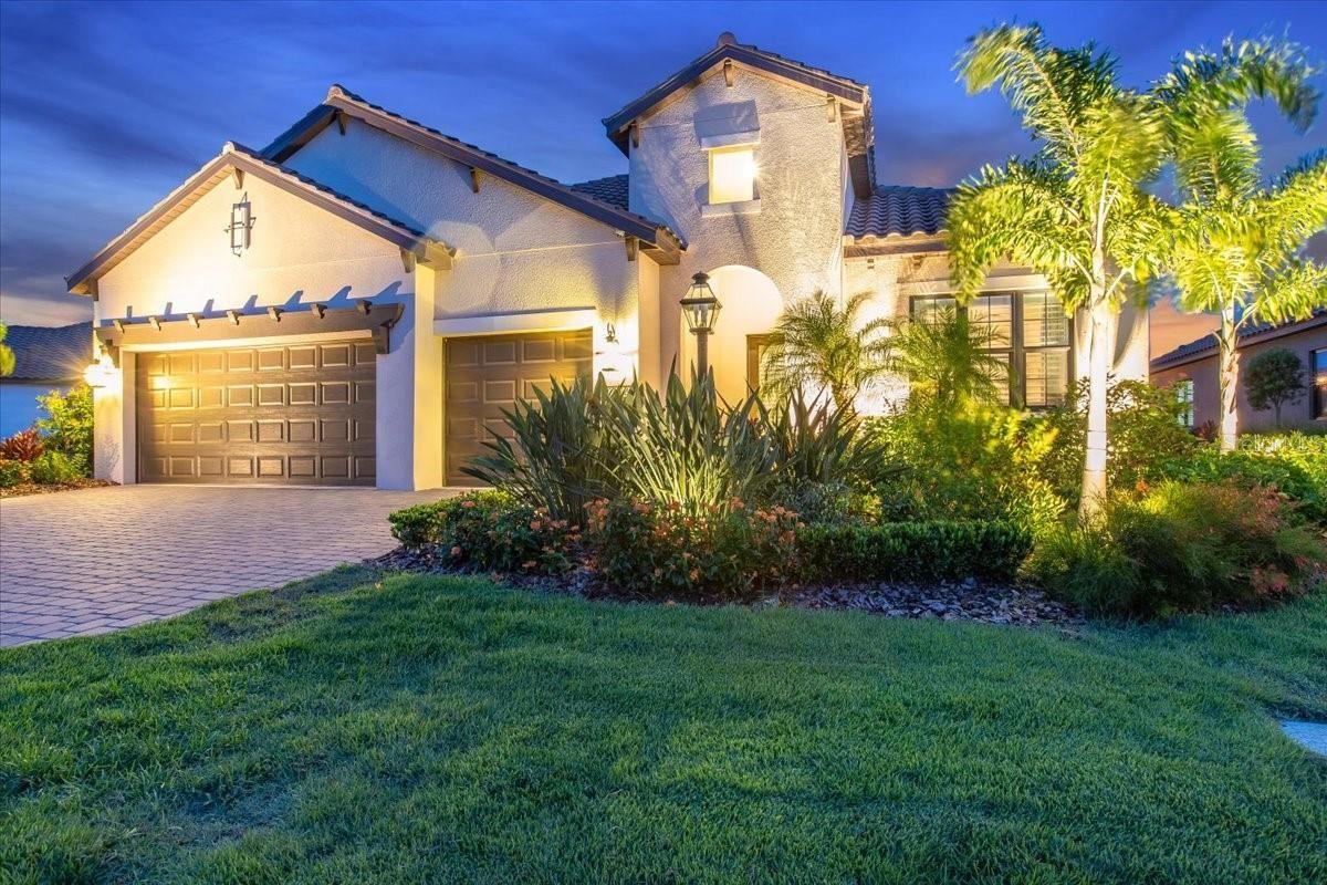Photo of 13114 INDIGO WAY, LAKEWOOD RANCH, FL 34211 (MLS # A4504191)
