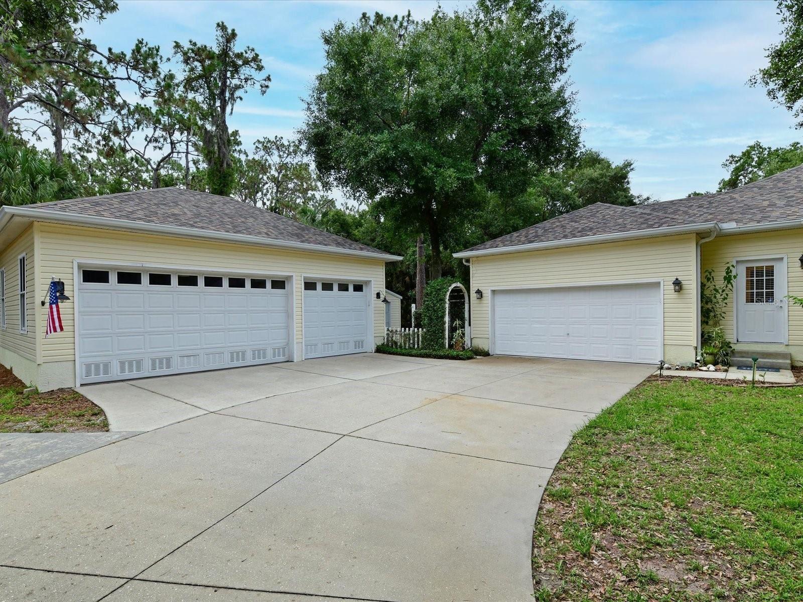 Photo of 817 137TH STREET NE, BRADENTON, FL 34212 (MLS # A4504192)
