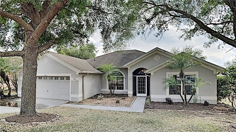 Photo of 681 WINDING LAKE DRIVE, CLERMONT, FL 34711 (MLS # O5855196)