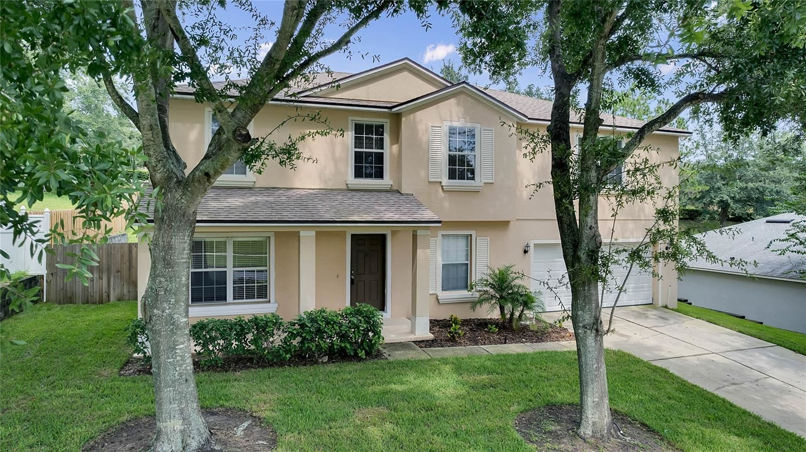 Photo of 1834 VALE DRIVE, CLERMONT, FL 34711 (MLS # O5975197)