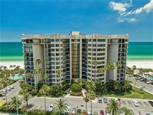 Photo of 1600 GULF BOULEVARD #1017, CLEARWATER, FL 33767 (MLS # U8048201)