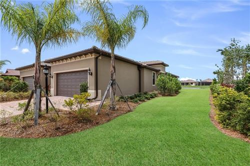 Photo of 7604 KIRKLAND COVE, LAKEWOOD RANCH, FL 34202 (MLS # A4479204)