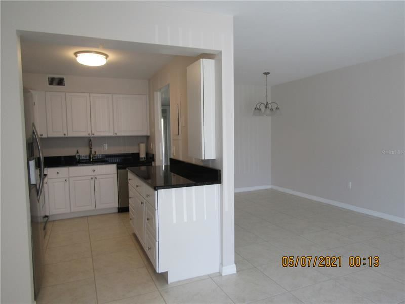 Photo of 7304 W COUNTRY CLUB DRIVE N #115, SARASOTA, FL 34243 (MLS # A4500206)