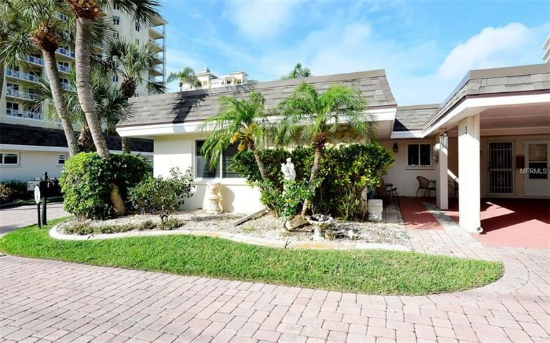 Photo of 1900 BENJAMIN FRANKLIN DRIVE #VILLA3, SARASOTA, FL 34236 (MLS # A4435208)