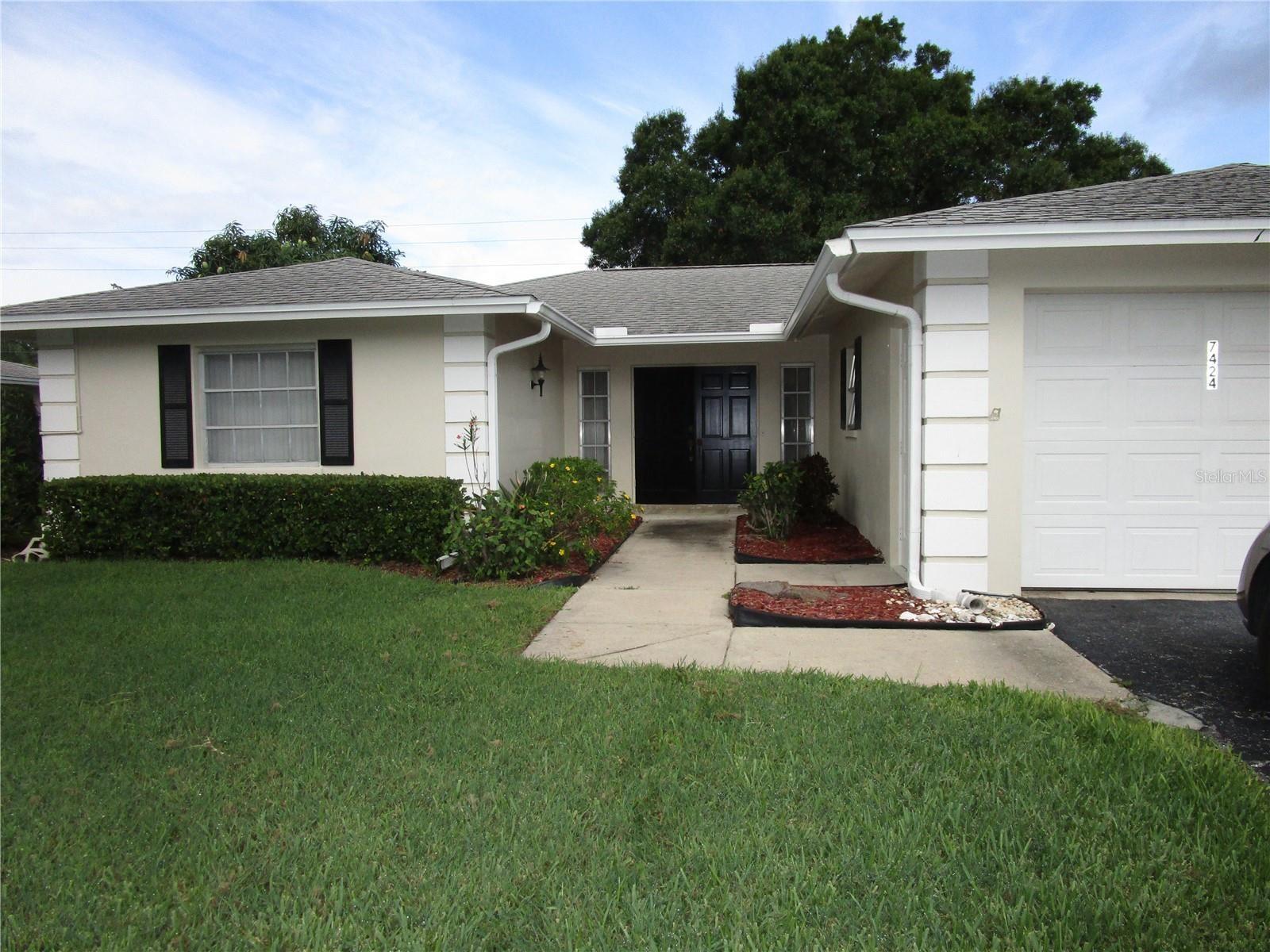 7424 W COUNTRY CLUB DRIVE N #V-9, Sarasota, FL 34243 - #: A4504208