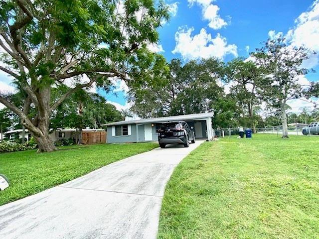 Photo of 5529 NUTMEG AVENUE, SARASOTA, FL 34231 (MLS # T3330208)