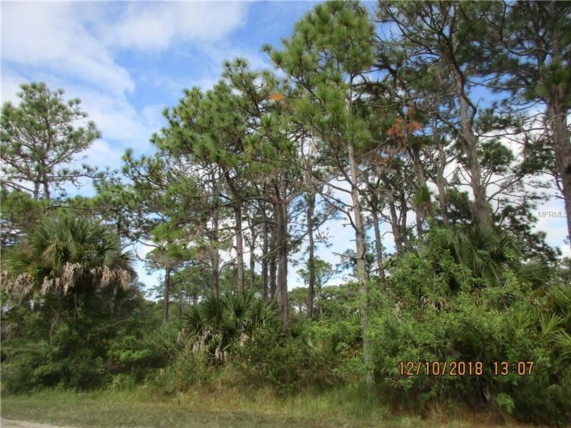Photo of LOT 6 TWIN LAUREL BLVD, NOKOMIS, FL 34275 (MLS # N6103209)