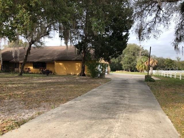 Photo of 5705 44TH AVENUE E, BRADENTON, FL 34203 (MLS # A4498212)