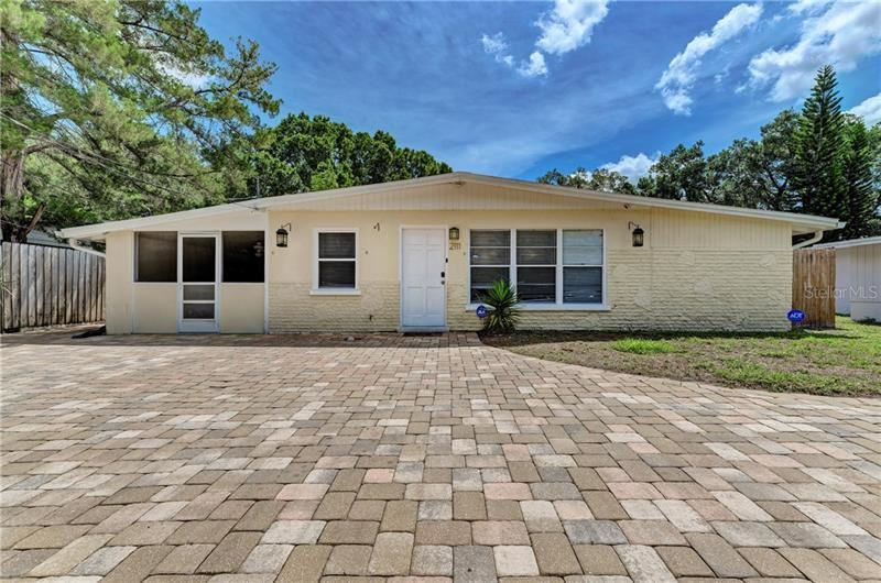 2111 VINSON AVENUE, Sarasota, FL 34232 - #: A4466214