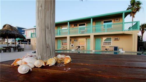 Photo of 2700 GULF BOULEVARD #1E, BELLEAIR BEACH, FL 33786 (MLS # U8135219)
