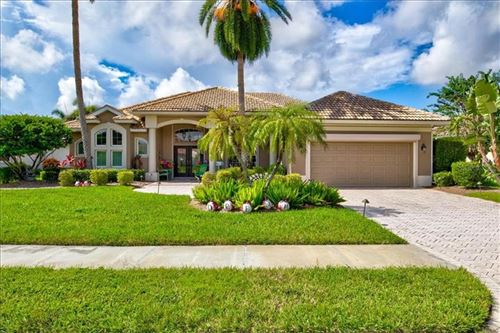 Photo of 558 LAKE OF THE WOODS DRIVE, VENICE, FL 34293 (MLS # D6114221)