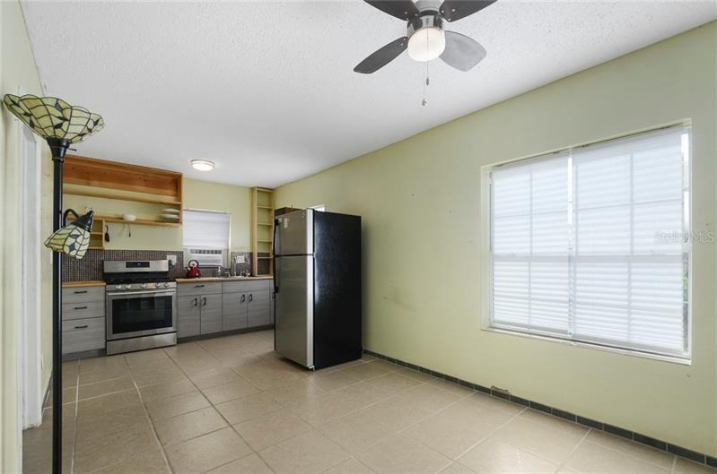 Photo of 233 E CYPRESS STREET, WINTER GARDEN, FL 34787 (MLS # O5906224)
