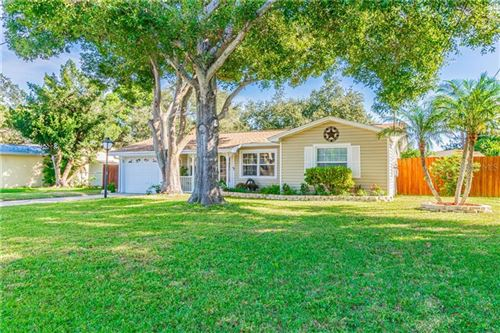Photo of 12693 OAK STREET, LARGO, FL 33774 (MLS # U8066225)