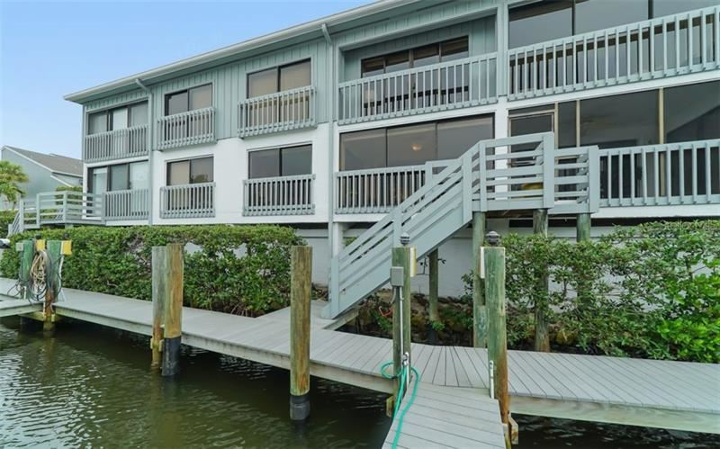 Photo of 1317 DOCKSIDE PLACE #121, SARASOTA, FL 34242 (MLS # A4449225)