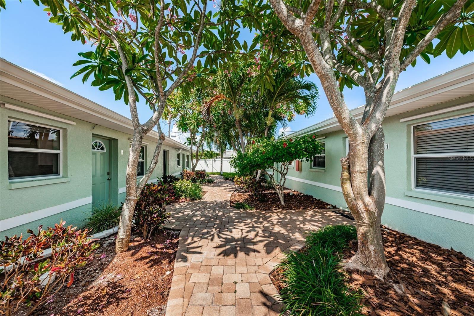 9040 BLIND PASS ROAD #B5, Saint Pete Beach, FL 33706 - #: U8131225
