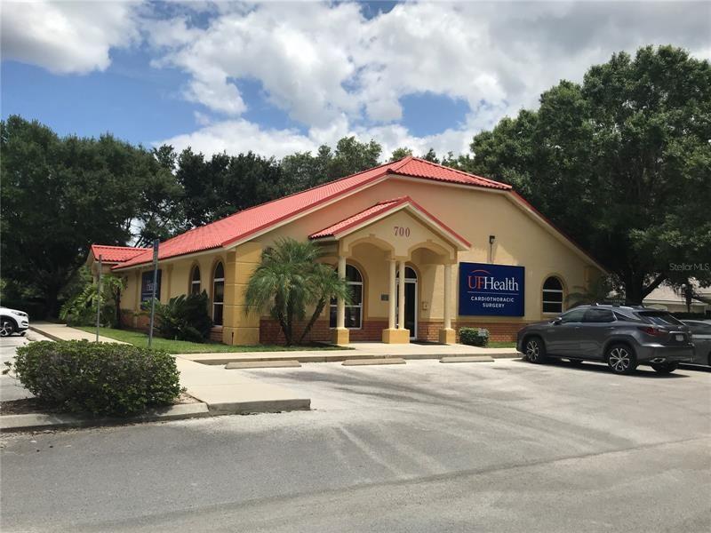 700 DOCTORS COURT, Leesburg, FL 34748 - #: G5042227