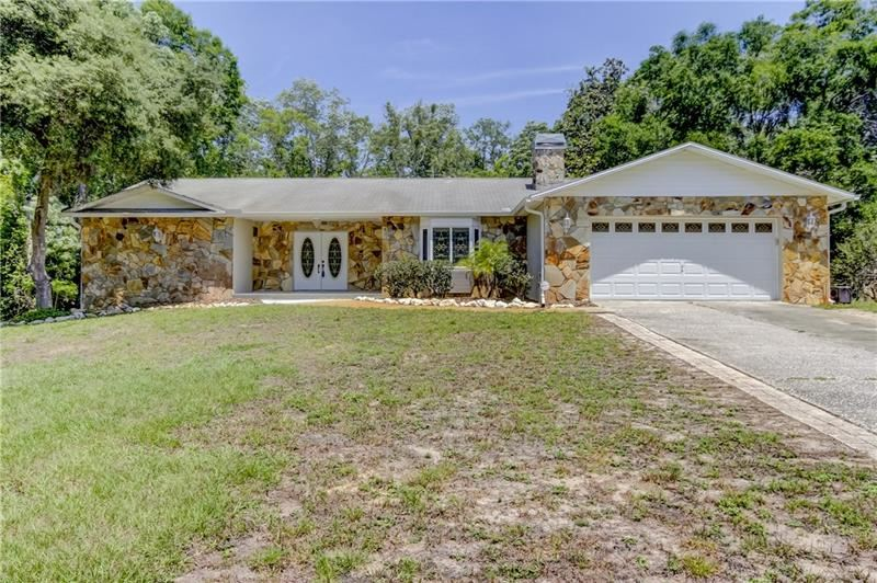 10951 LAKEVIEW DRIVE, New Port Richey, FL 34654 - #: T3238235