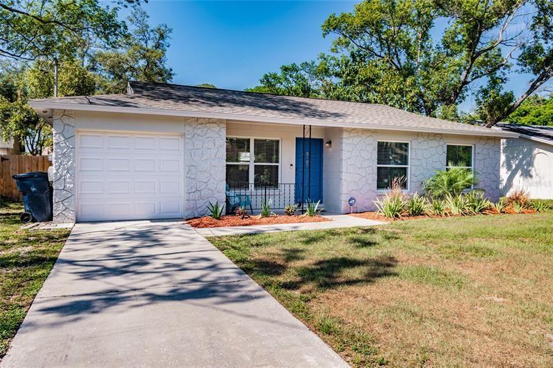 2107 W BARCLAY ROAD, Tampa, FL 33612 - MLS#: T3305237
