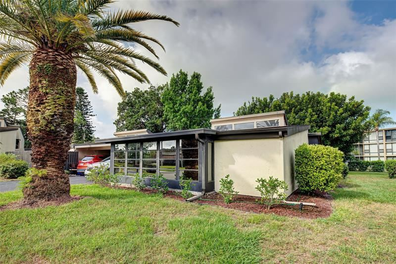 Photo of 637 WHITE PINE TREE ROAD #29, VENICE, FL 34285 (MLS # N6115242)