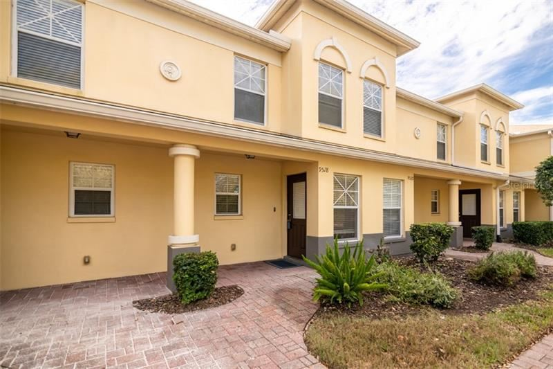 9518 CHARLESBERG DRIVE, Tampa, FL 33635 - #: T3285242