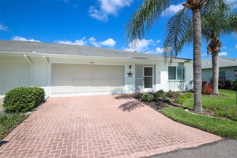 2205 HARTLEBURY WAY #104, Sun City Center, FL 33573 - #: T3248245