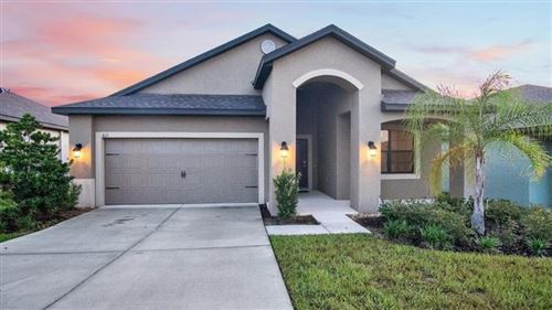 Photo of 611 SILVERTHORN PLACE, GROVELAND, FL 34736 (MLS # O5812251)