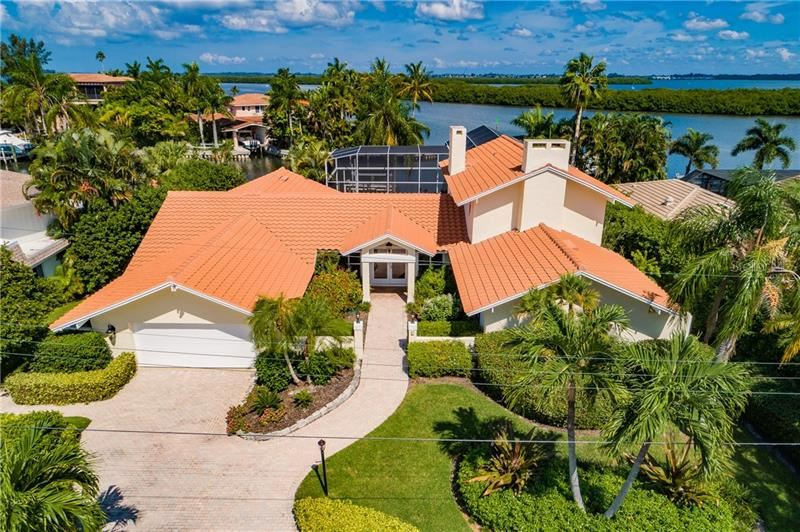 Photo of 771 EMERALD HARBOR DRIVE, LONGBOAT KEY, FL 34228 (MLS # O5900252)