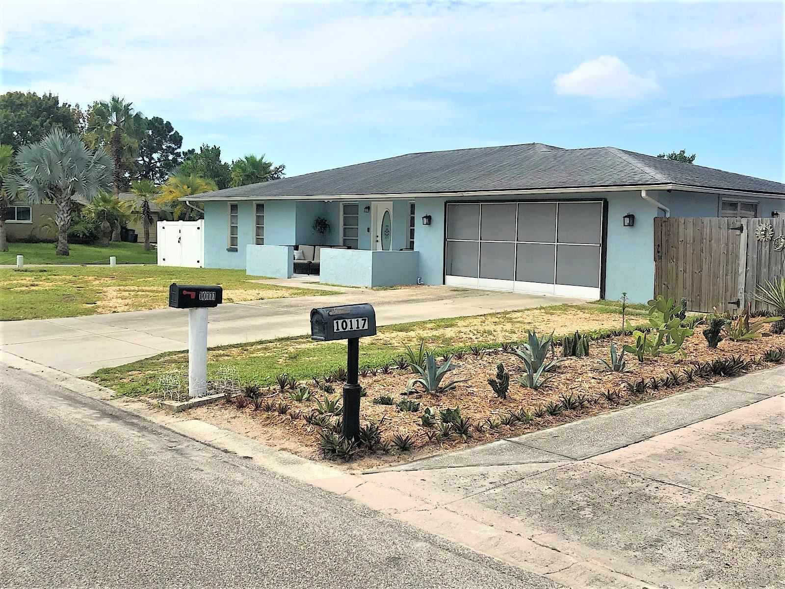 10111 GARDENIA LANE, Port Richey, FL 34668 - #: T3328252