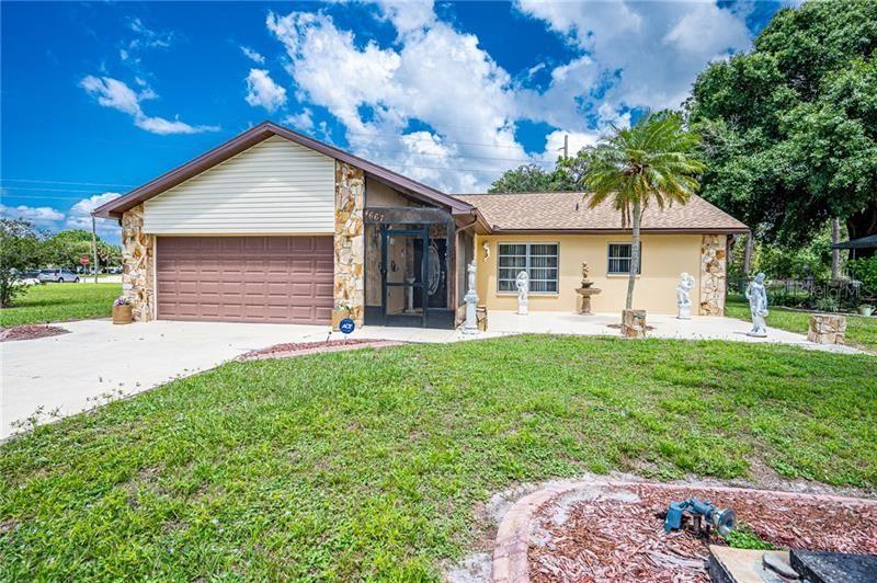 Photo of 4667 BONITA ROAD, VENICE, FL 34293 (MLS # D6112261)