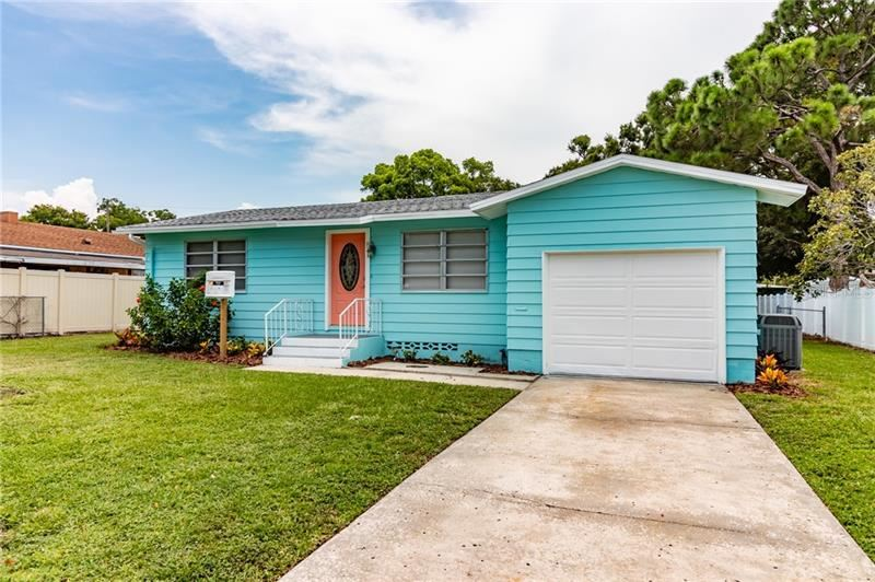 Photo for 831 4TH AVENUE NW, LARGO, FL 33770 (MLS # T3186261)
