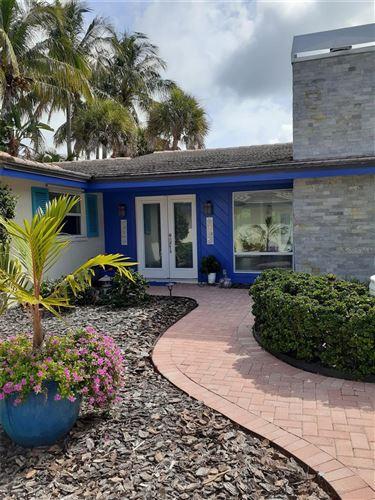 Photo of 7 WINSLOW PLACE, LONGBOAT KEY, FL 34228 (MLS # T3337263)