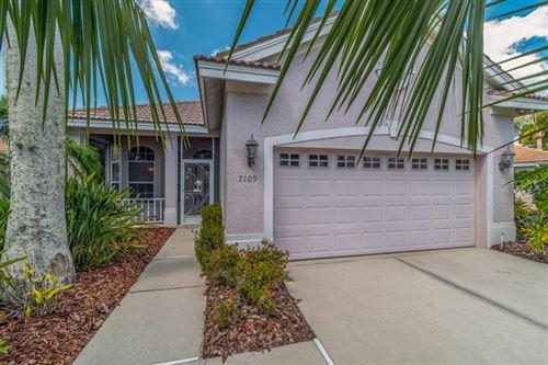 Photo of 7109 DREWRYS BLUFF, BRADENTON, FL 34203 (MLS # W7822265)