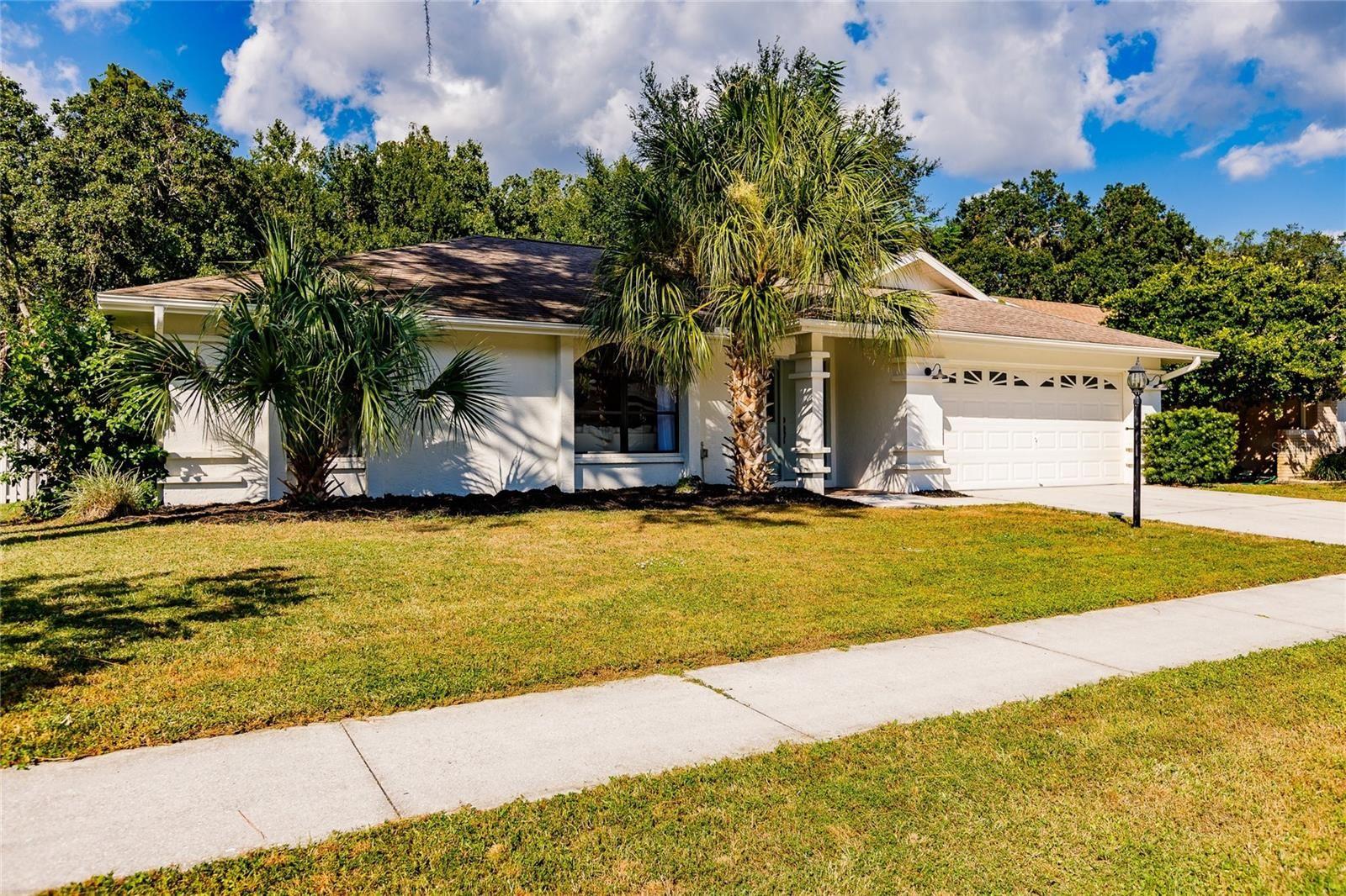 Photo of 5571 BENT OAK DRIVE, SARASOTA, FL 34232 (MLS # A4515272)