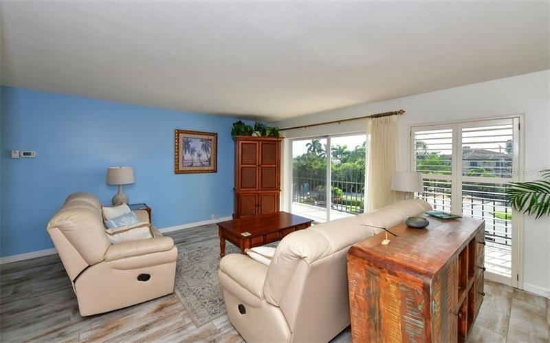 Photo of 101 BENJAMIN FRANKLIN DRIVE #35, SARASOTA, FL 34236 (MLS # A4445275)