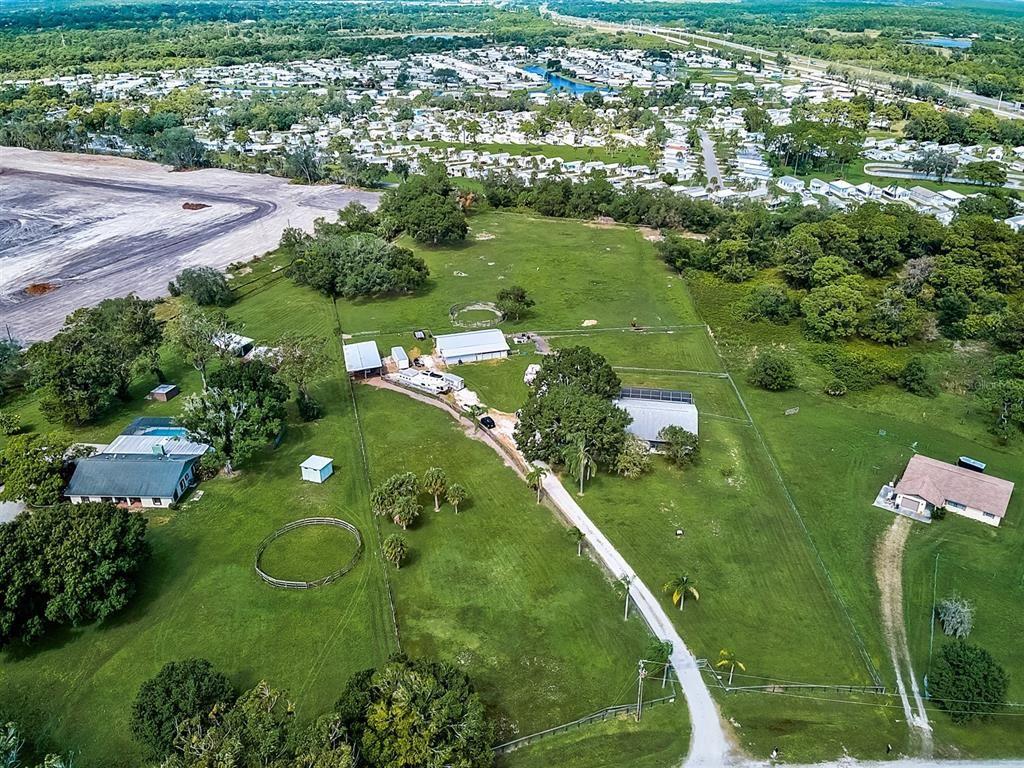 Photo of 1109 TWIN LAUREL BOULEVARD, NOKOMIS, FL 34275 (MLS # N6115276)