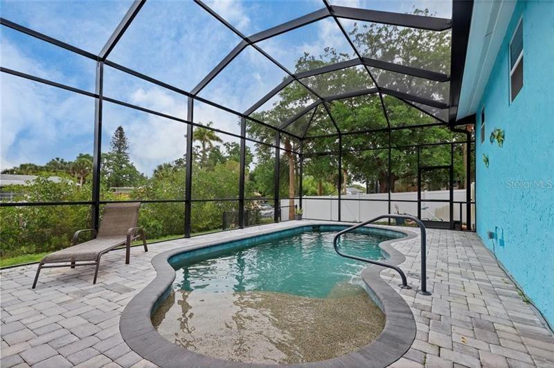 Photo of 2 COVE LANE, ENGLEWOOD, FL 34223 (MLS # D6117277)