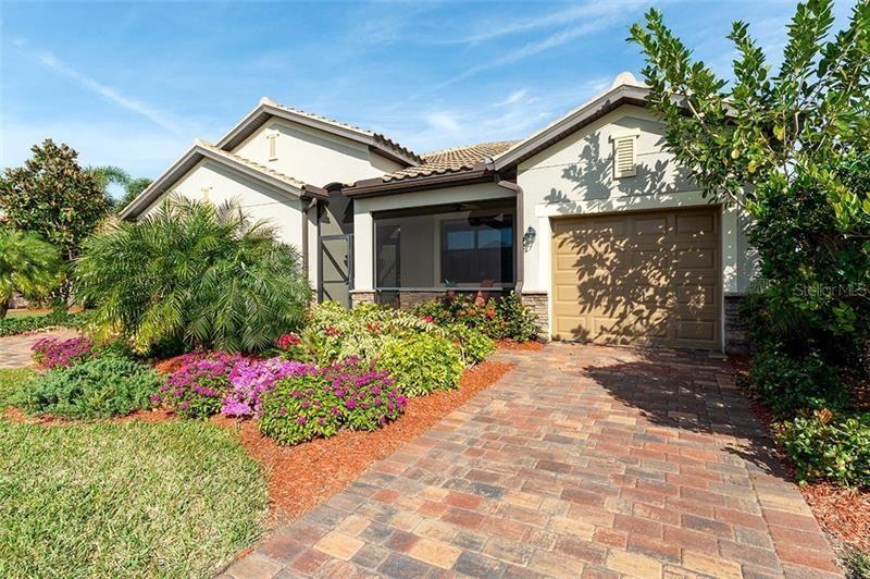 Photo of 6462 WILLOWSHIRE WAY, BRADENTON, FL 34212 (MLS # A4458280)