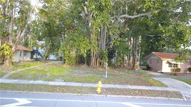 Photo of 0 HARBOR DRIVE, VENICE, FL 34285 (MLS # N5916281)