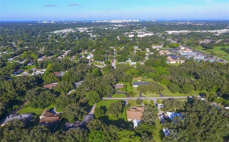 Photo of BEARDED OAKS DRIVE, SARASOTA, FL 34232 (MLS # A4478285)