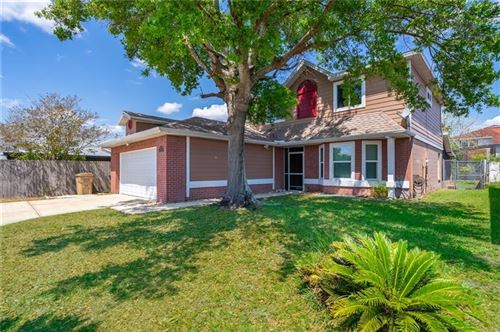 Photo of 303 HOLLYWOOD COURT S, KISSIMMEE, FL 34743 (MLS # G5040286)