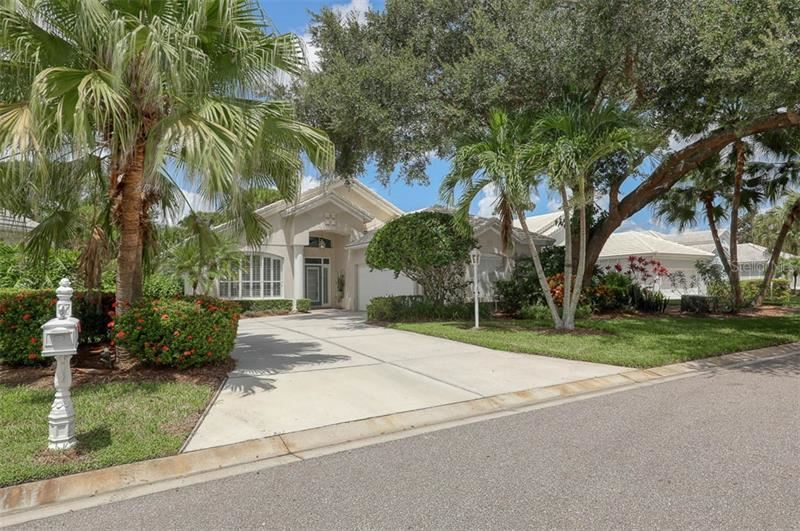 Photo of 7936 HAMPTON COURT, UNIVERSITY PARK, FL 34201 (MLS # A4476286)