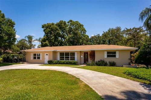 Photo of 628 PINELAND AVENUE, BELLEAIR, FL 33756 (MLS # U8085288)