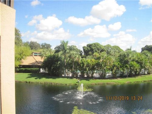 Photo of 5525 ASHTON LAKE DRIVE #5525, SARASOTA, FL 34231 (MLS # A4451290)