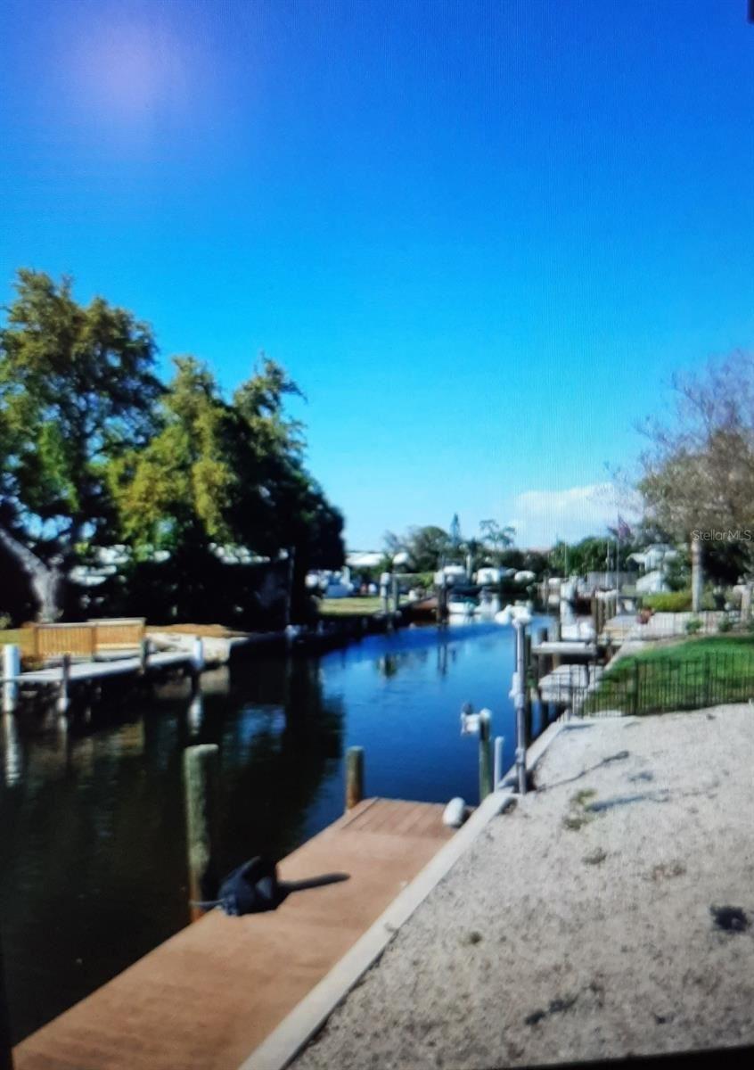 Photo of 40 HATCHETT CREEK ROAD, VENICE, FL 34285 (MLS # T3302292)